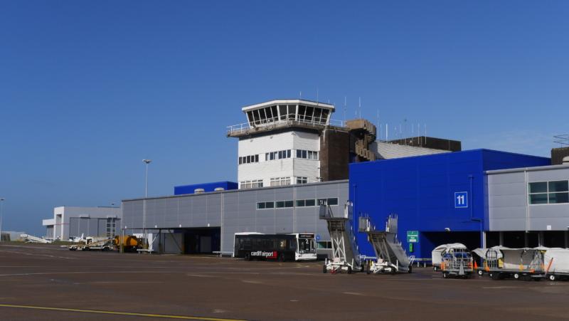 Trainee Air Traffic Controller >> Cardiff airport air traffic control