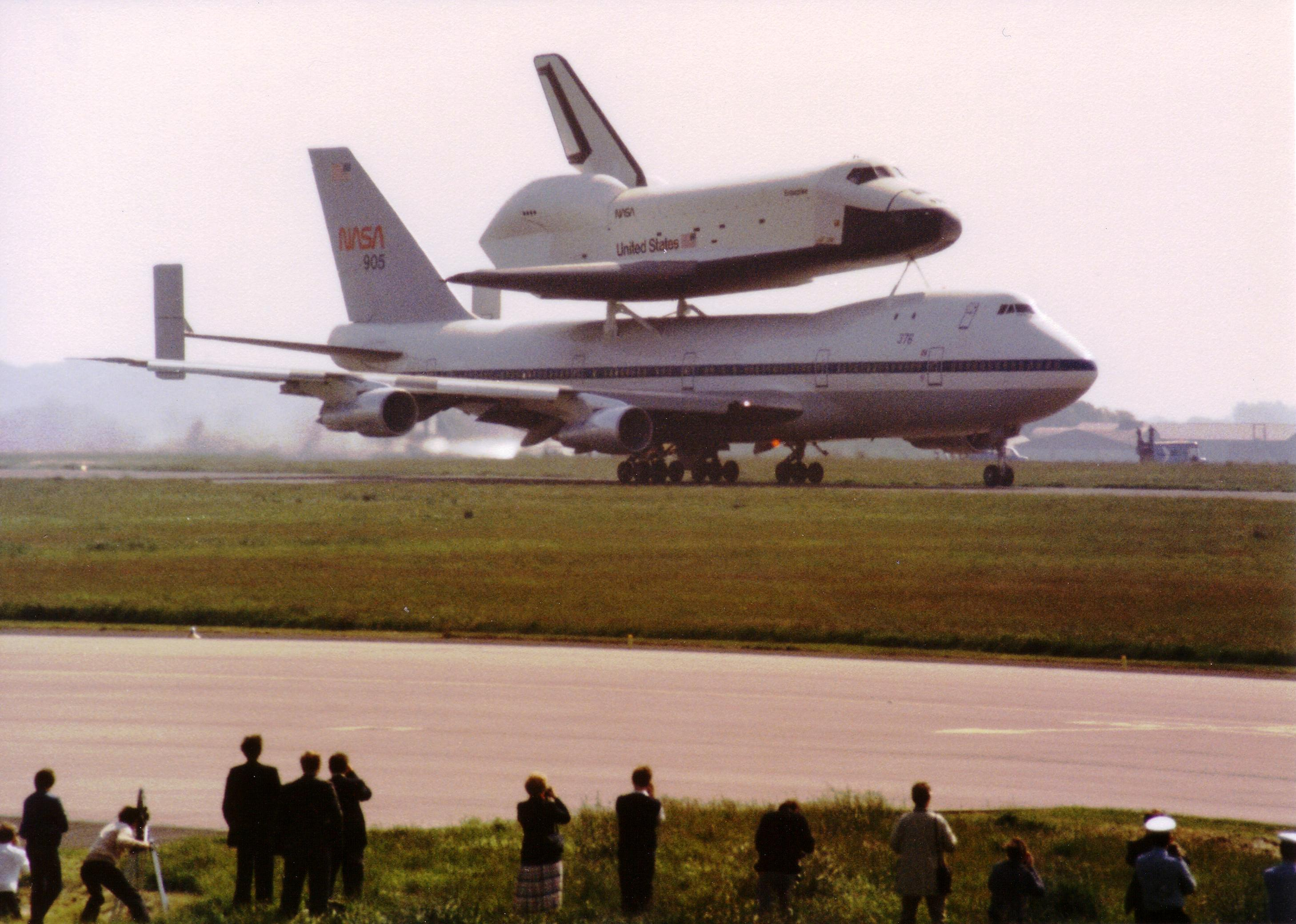 space shuttle landing at stansted - photo #26