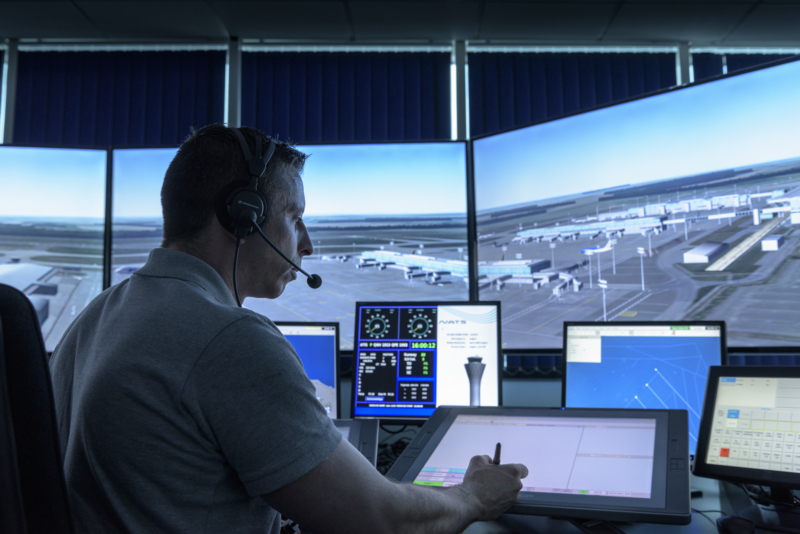 Five qualities every trainee air traffic controller needs - NATS Blog
